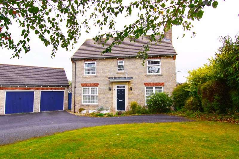 4 Bedrooms Detached House for sale in Glendale Road, Okehampton