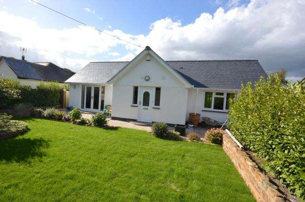3 Bedrooms Detached Bungalow for sale in Exmouth Road, Newton Poppleford, Sidmouth, Devon