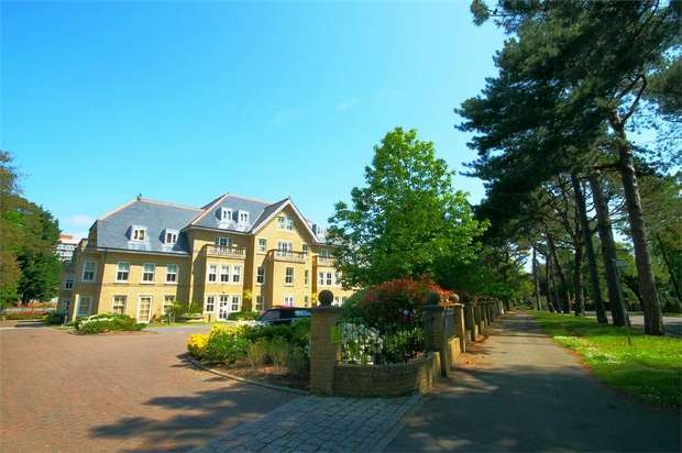 2 Bedrooms Flat for sale in Manor Road, Bournemouth, Eastcliff