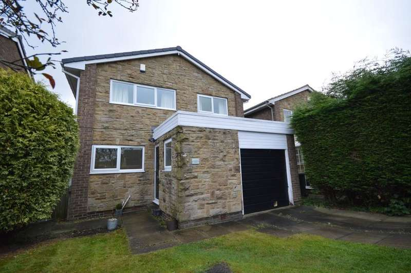 4 Bedrooms Detached House for sale in Wentworth Avenue, Emley, Huddersfield