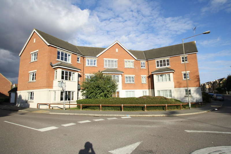 2 Bedrooms Flat for sale in Hopewell close, Chafford Hundred