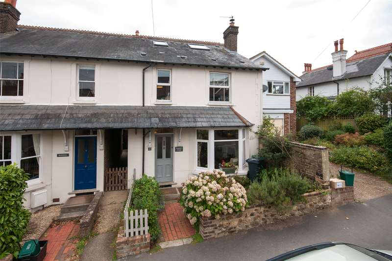 4 Bedrooms Semi Detached House for sale in Howard Road, Reigate, RH2