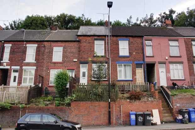 3 Bedrooms Terraced House for sale in Owler Lane, Sheffield, South Yorkshire, S4 8GF