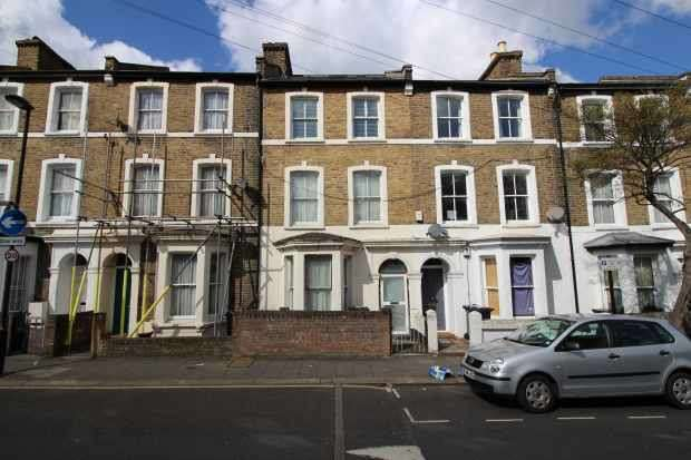 5 Bedrooms Terraced House for sale in Branksome Road, Brixton, Greater London, SW2 5JA