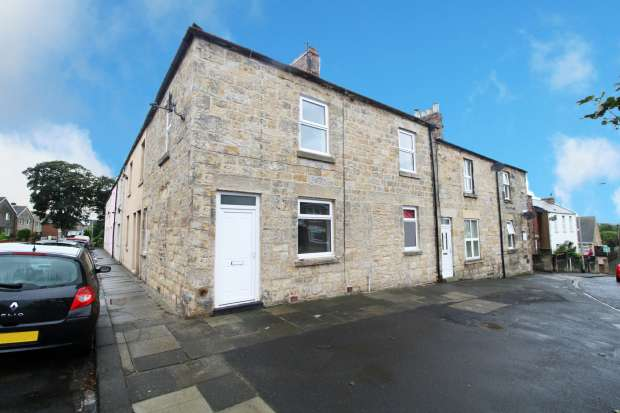 3 Bedrooms Property for sale in The Wynd, Amble,, Morpeth, Northumberland, NE65 0LL
