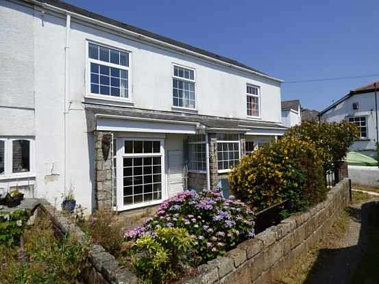 4 Bedrooms Property for sale in Victoria Cottages, Plymouth, Devon, PL6 5RH