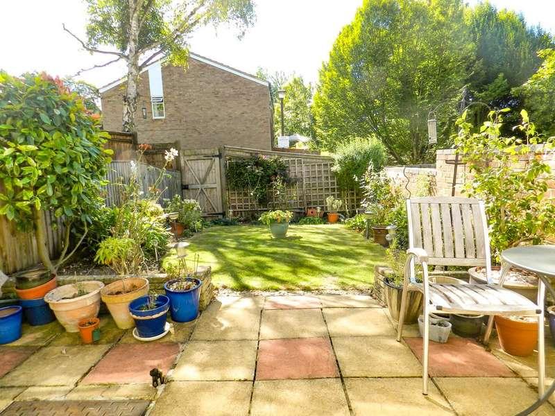 3 Bedrooms Property for sale in Newlands Woods, Bardolph Avenue Forestdale, Croydon