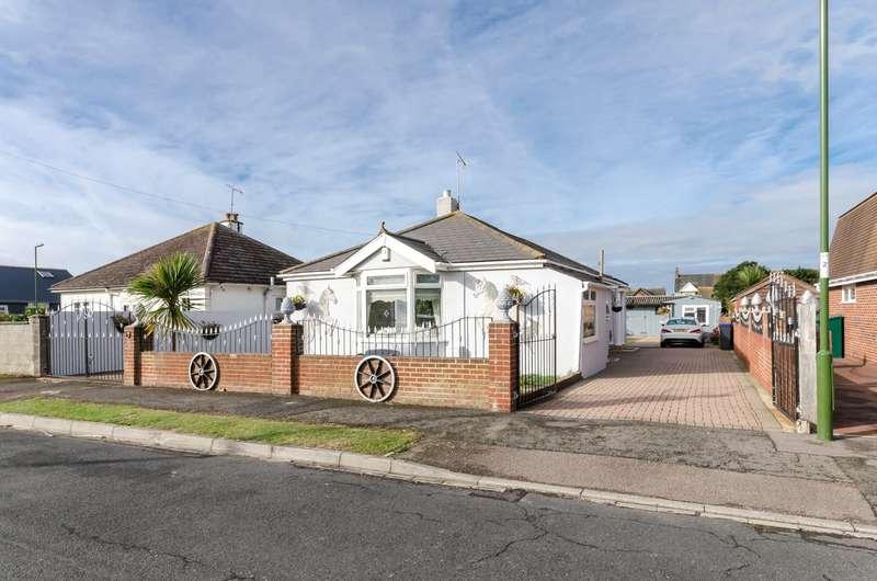 3 Bedrooms Detached Bungalow for sale in Queens Road, Lancing, West Sussex, BN15