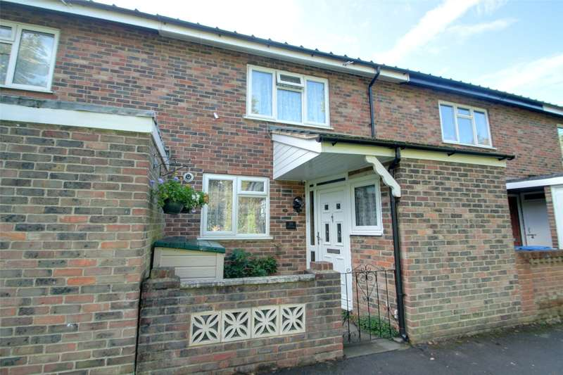 2 Bedrooms Terraced House for sale in Cowley Avenue, Chertsey, Surrey, KT16