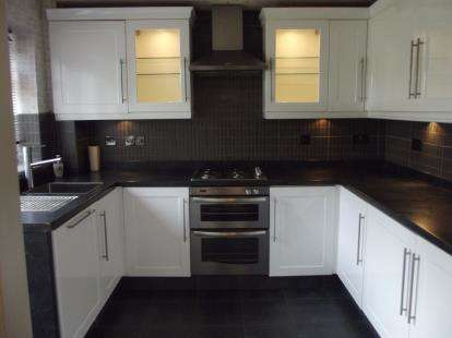 3 Bedrooms Terraced House for sale in Denbigh Grove, Burnley, Lancashire, BB12
