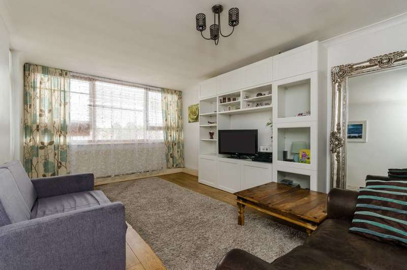 1 Bedroom Flat for sale in Brickfield Close, Brentford, TW8