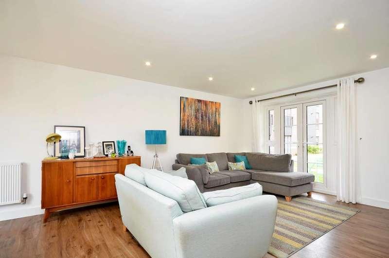 3 Bedrooms Flat for sale in Gresham Park Road, Old Woking, GU22