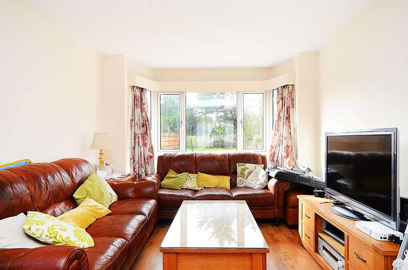 3 Bedrooms House for sale in Lowther Drive, Oakwood, EN2