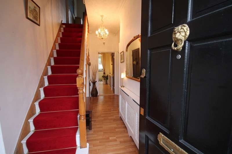 3 Bedrooms Semi Detached House for sale in The Avenue, Westhoughton, Bolton, Lancashire.