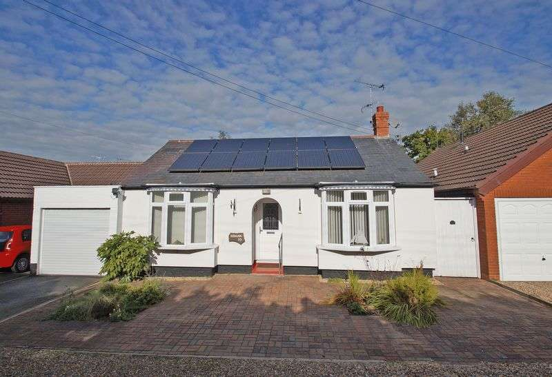 3 Bedrooms Detached Bungalow for sale in Redditch Road, Stoke Road, Bromsgrove