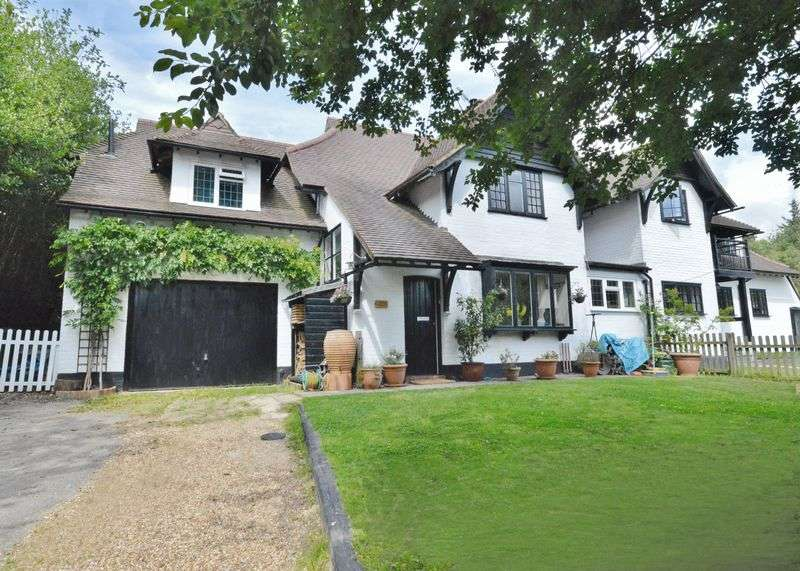 4 Bedrooms House for sale in Wispers Lane, Haslemere