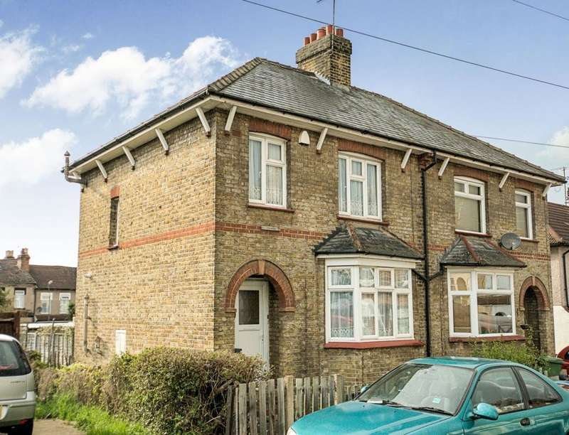 3 Bedrooms Semi Detached House for sale in Sheridan Road, Belvedere, DA17