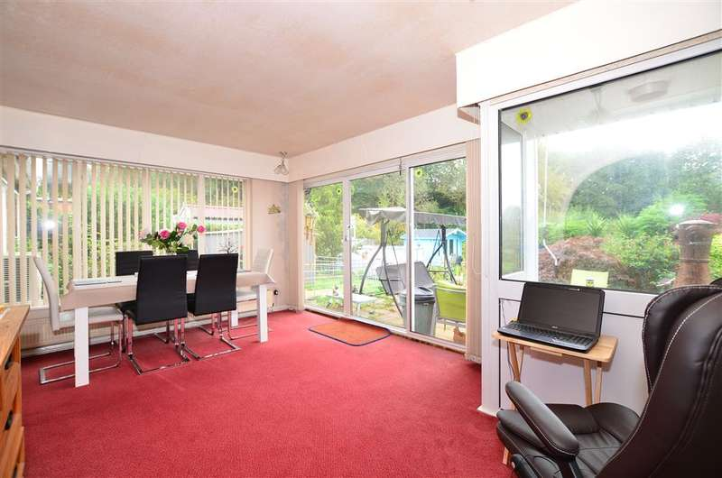 4 Bedrooms Detached Bungalow for sale in Plain Road, Smeeth, Ashford, Kent