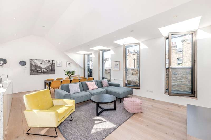 3 Bedrooms Maisonette Flat for sale in Gosfield Street, Fitzrovia, London, W1W
