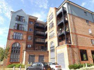 House for sale in Waterway House, Medway Wharf Road, Tonbridge