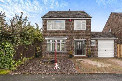 4 Bedrooms Detached House for sale in Holywell Green, Eaglescliffe, Stockton-On-Tees, .