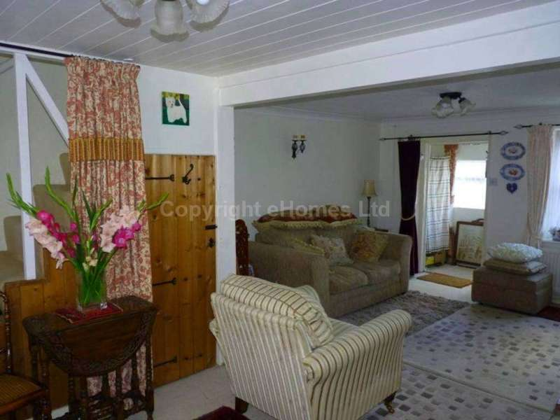 3 Bedrooms Cottage House for sale in Theatre Street, Swaffham, PE37 7HA
