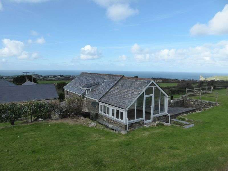 4 Bedrooms Detached House for sale in Trenale, Tintagel