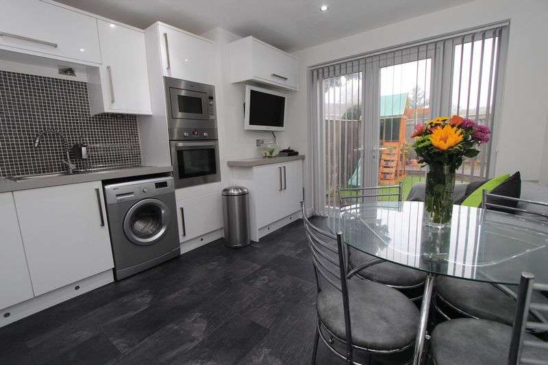 2 Bedrooms Semi Detached House for sale in Ainthorpe Close, Tunstall, Sunderland