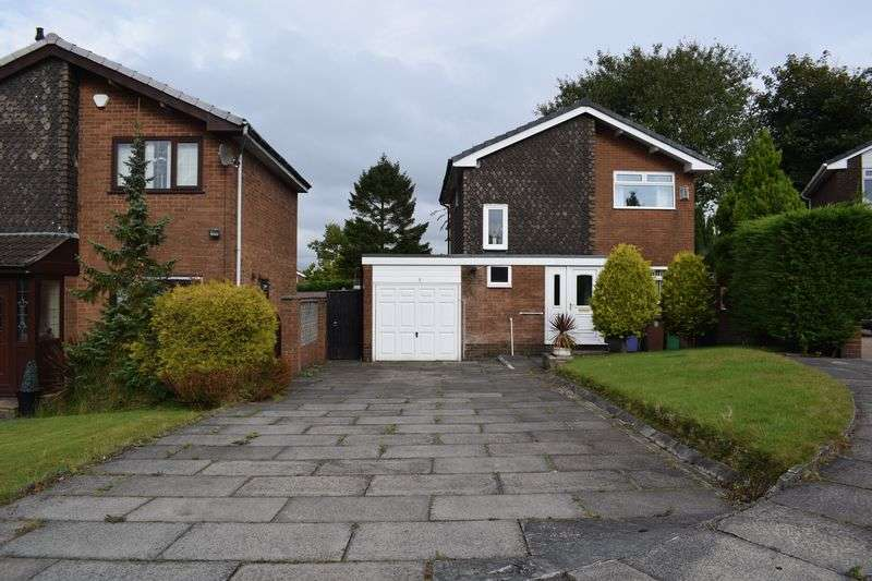 3 Bedrooms Detached House for sale in Sunningdale Drive, Heywood