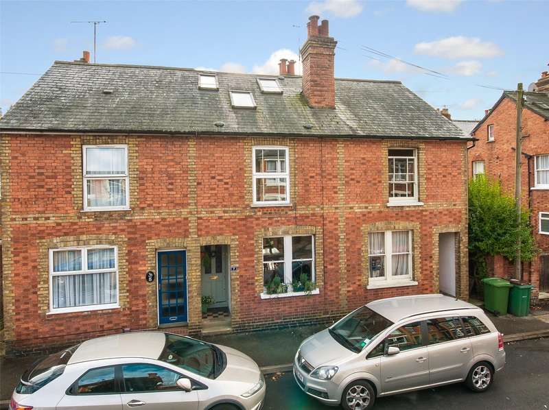 3 Bedrooms Terraced House for sale in Rothes Road, Dorking, RH4