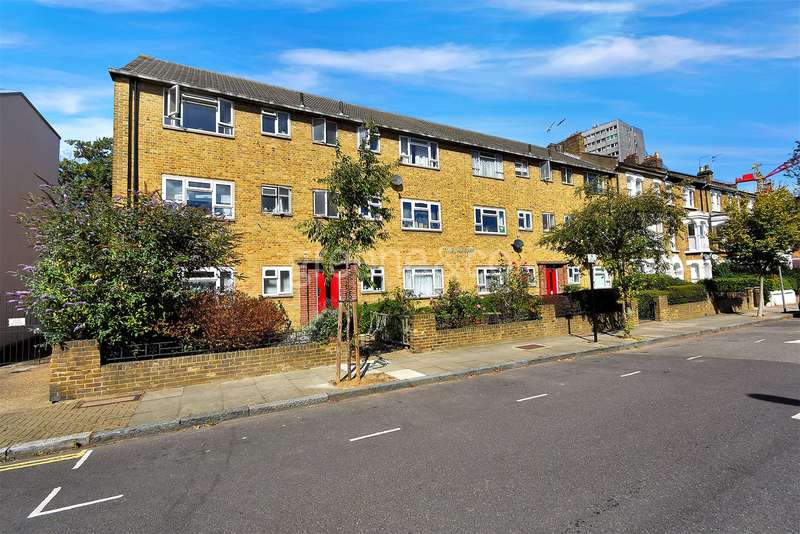 1 Bedroom Flat for sale in The Beeches, Trinder Road, Stroud Green, London, N19