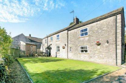 3 Bedrooms Detached House for sale in Main Street, Chelmorton, Buxton, High Peak