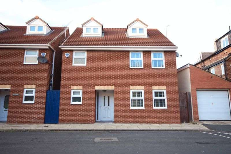4 Bedrooms Detached House for sale in Newlands Avenue, Bishop Auckland