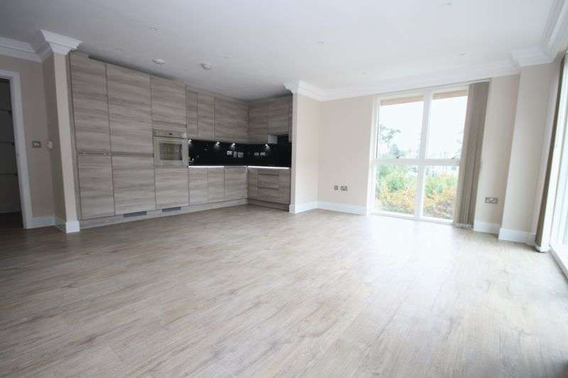 3 Bedrooms Flat for sale in Park Royal, London
