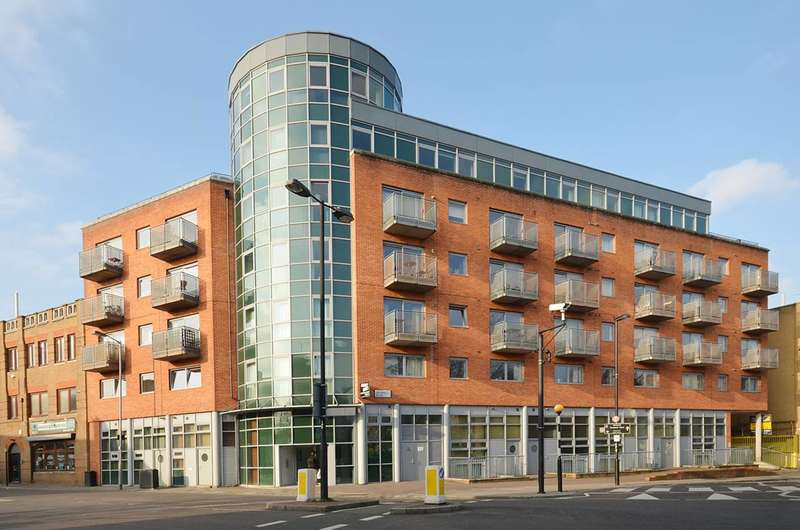 2 Bedrooms Flat for sale in Benwell Road, Holloway, N7