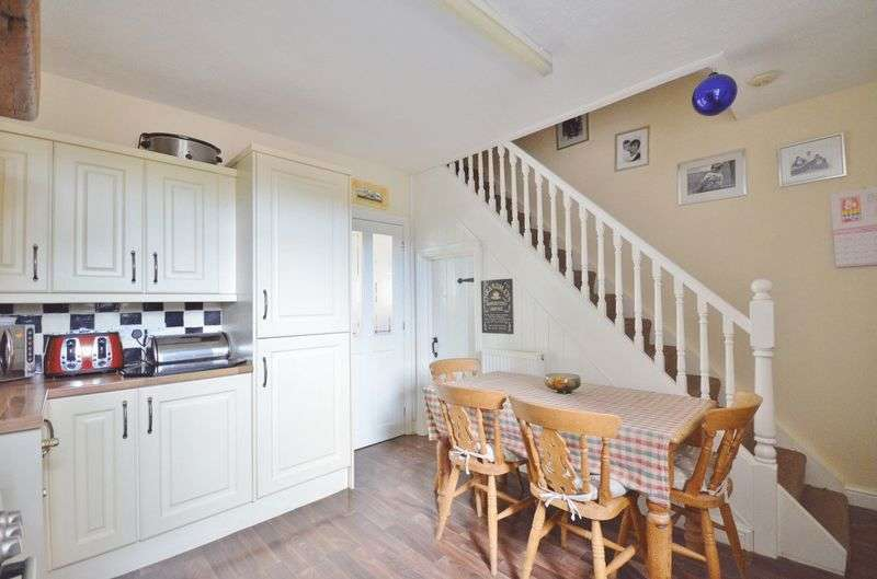 2 Bedrooms Terraced House for sale in Glenfield Place, Barepot
