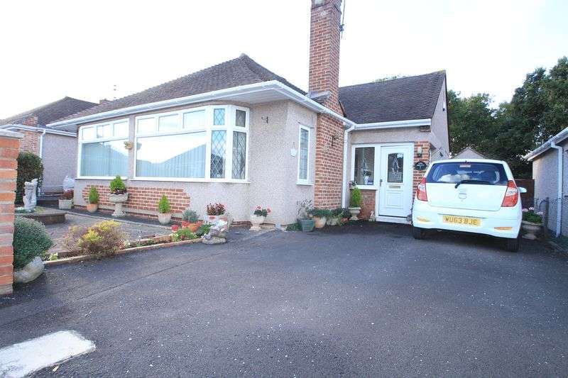 2 Bedrooms Detached Bungalow for sale in Oaklands Drive Oldland Common Bristol