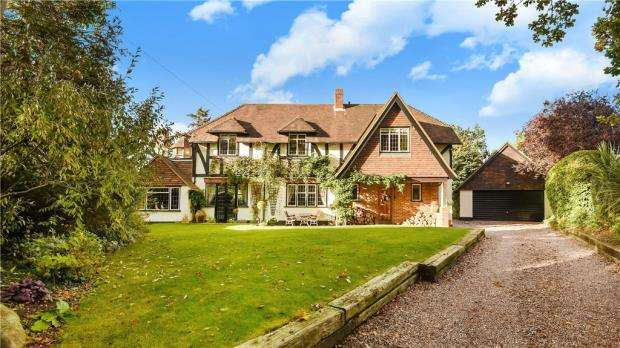 4 Bedrooms Detached House for sale in Old Bath Road, Sonning, Reading