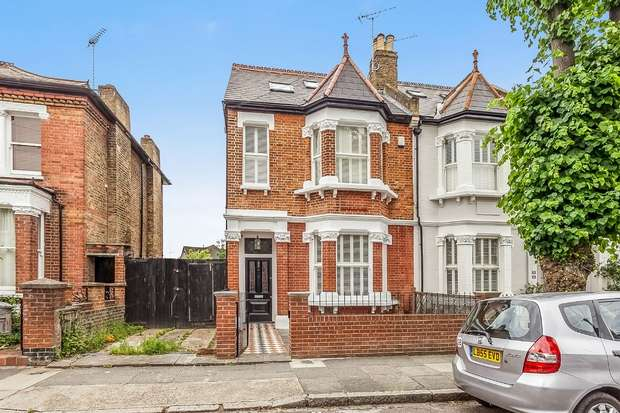 4 Bedrooms Semi Detached House for sale in Beaconsfield Road, St Margarets, Twickenham