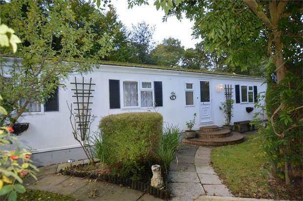 3 Bedrooms Park Home Mobile Home for sale in Heatherfield, Pathfinder Village, Tedburn St Mary, Exeter