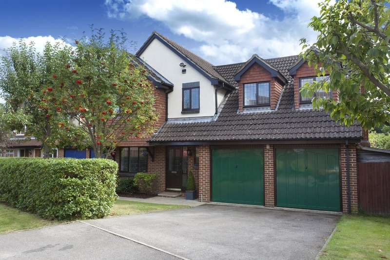 4 Bedrooms Detached House for sale in Tennyson Close, Horsham