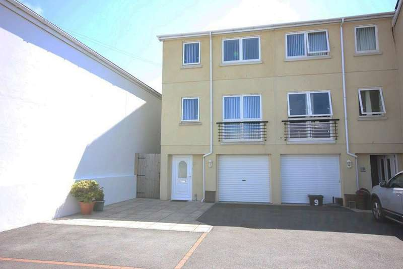3 Bedrooms End Of Terrace House for sale in Tudor Close, Newton Abbot