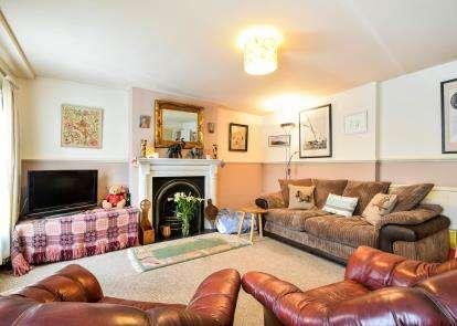 4 Bedrooms Terraced House for sale in Totnes, Devon, .