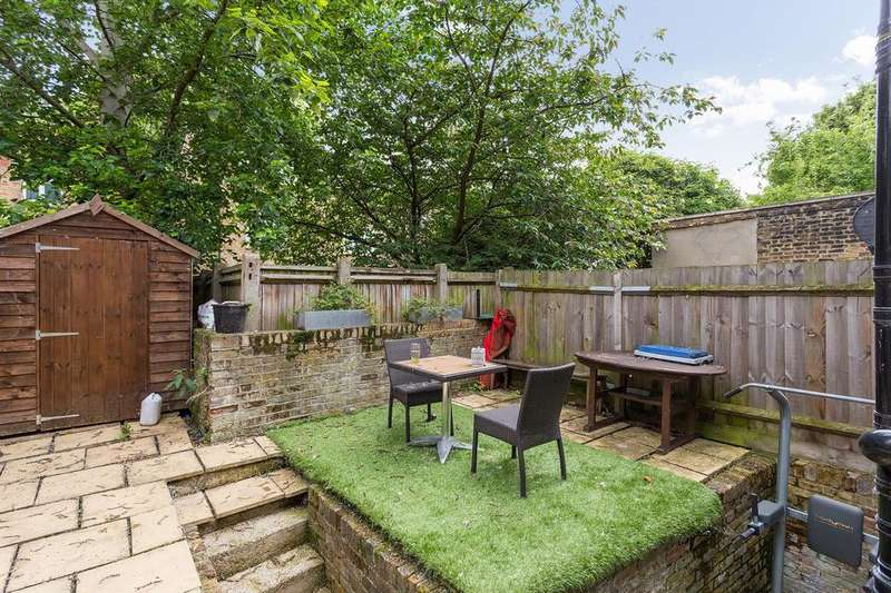 2 Bedrooms Flat for sale in Kings Grove, London SE15