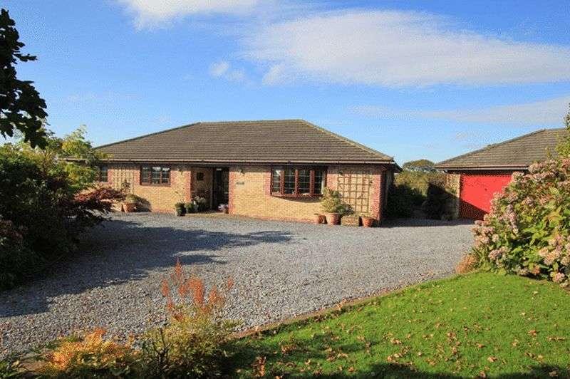 3 Bedrooms Property for sale in Llanddarog Road, Carmarthen