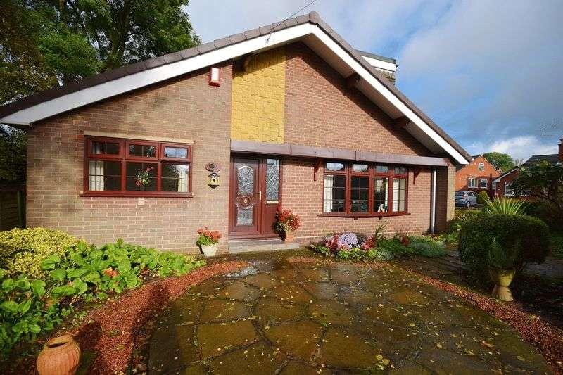 4 Bedrooms Detached Bungalow for sale in Braemar Close, Bucknall