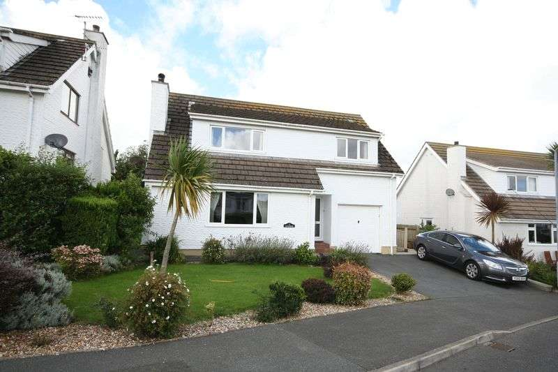 4 Bedrooms Detached House for sale in Benllech, Anglesey