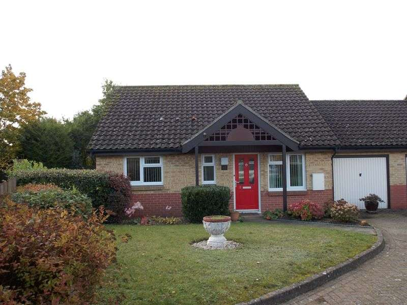 2 Bedrooms Detached Bungalow for sale in Field View, Bury St Edmunds