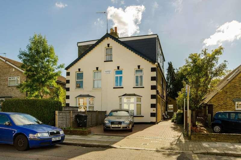 2 Bedrooms Maisonette Flat for sale in Leicester Road, Barnet, EN5