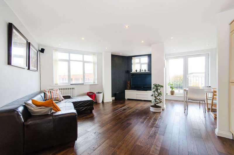 3 Bedrooms Flat for sale in Station Road, Harrow, HA1